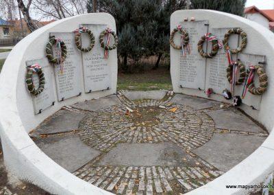 Kakucs új világháborús emlékmű 2015.11.27. küldő-kalyhas (10)