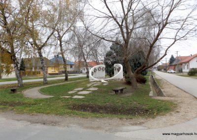 Kakucs új világháborús emlékmű 2015.11.27. küldő-kalyhas (11)