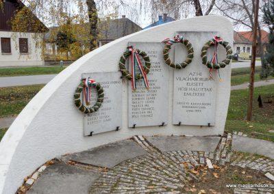 Kakucs új világháborús emlékmű 2015.11.27. küldő-kalyhas (2)