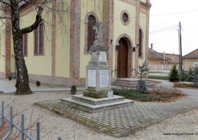 Kakucs régi világháborús emlékmű 2015.11.27. küldő-kalyhas (11)