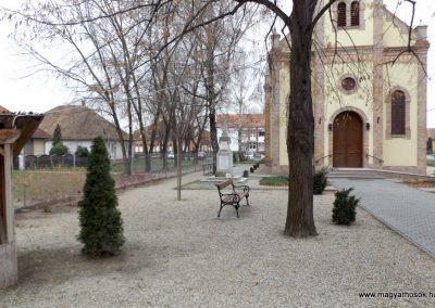 Kakucs régi világháborús emlékmű 2015.11.27. küldő-kalyhas