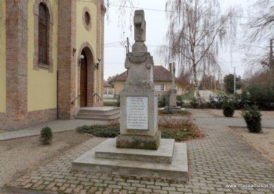 Kakucs régi világháborús emlékmű 2015.11.27. küldő-kalyhas (5)