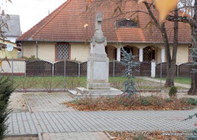 Kakucs régi világháborús emlékmű 2015.11.27. küldő-kalyhas (9)