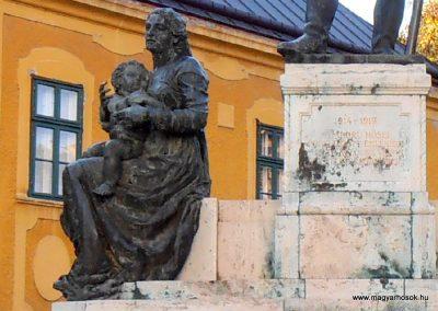 Kalocsa I. világháborús emlékmű 2012.10.22. küldő-Bagoly András (1)