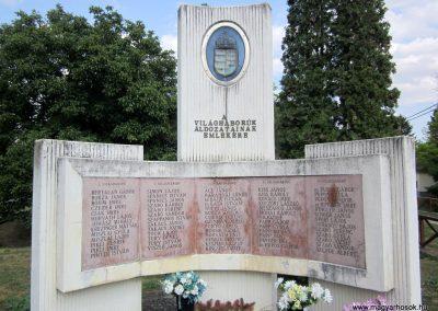 Kapoly világháborús emlékmű 2013.08.23. küldő-kalyhas (2)