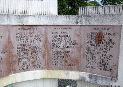 Kapoly világháborús emlékmű 2013.08.23. küldő-kalyhas (5)