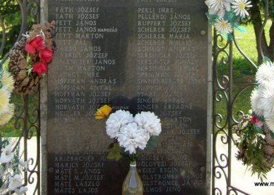 Kaposfő világháborús emlékmű 2007.06.23. küldő-Zsók (5)