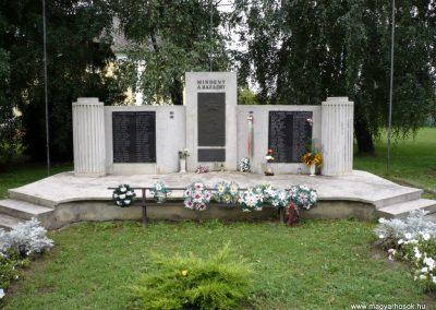 Kaposmérő világháborús emlékmű 2010.08.04. küldő-Sümec (1)