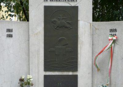 Kaposmérő világháborús emlékmű 2010.08.04. küldő-Sümec (4)