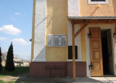 Kapospula világháborús emléktáblák 2009.04.04. küldő-kalyhas (1)