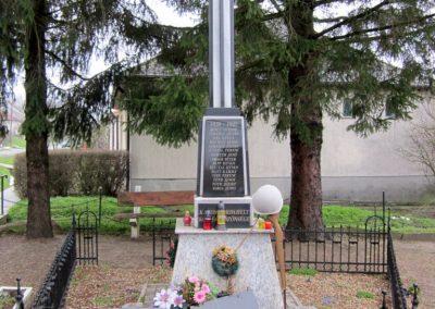 Kaposszerdahely II. világháborús emlékmű 2013.03.31. küldő-kalyhas (1)