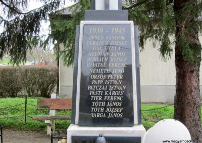 Kaposszerdahely II. világháborús emlékmű 2013.03.31. küldő-kalyhas (3)