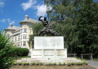 Kaposvár 44-es gyalogezred emlékműve 2016.07.19. küldő-Emese (4)