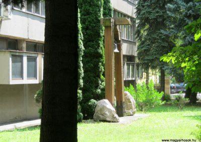 Kaposvár Noszlopy G. Szakközépiskola világháborús emlékmű 2016.07.19. küldő-Emese