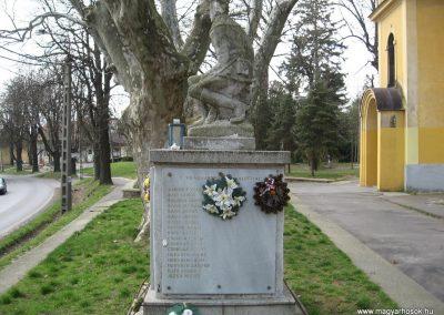 Kaposvár-Toponár világháborús emlékmű 2009.04.04. küldő-kalyhas (9)