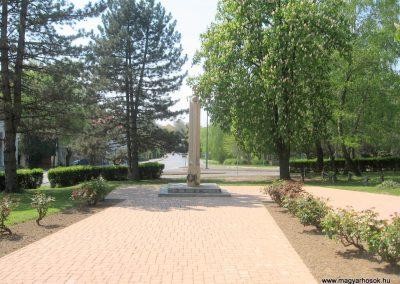 Kaposvár hősi emlékmű 2011.04.23. küldő-kalyhas