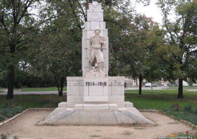 Karácsond világháborús emlékmű 2007.10.12. küldő-kalyhas (1)