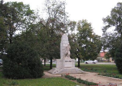 Karácsond világháborús emlékmű 2007.10.12. küldő-kalyhas