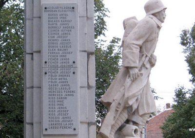 Karácsond világháborús emlékmű 2007.10.12. küldő-kalyhas (6)