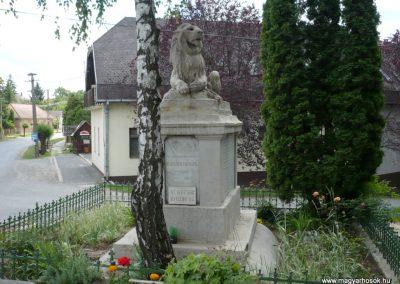 Karád I.vh emlékmű 2010.05.28. küldő-Sümec (1)