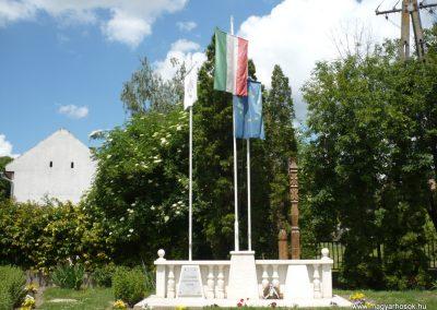 Karád II.vh emlékmű 2010.05.28. küldő-Sümec