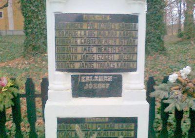 Karakó világháborús emlékmű 2011.11.20. küldő-Kercza István (4)