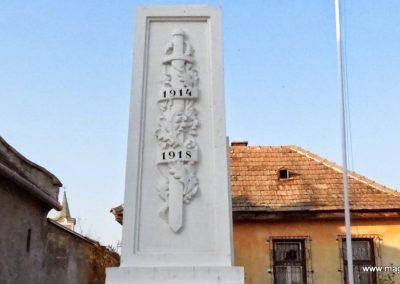 Karakószörcsök világháborús emlékmű 2014.10.07. küldő-Méri (1)