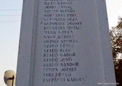 Karakószörcsök világháborús emlékmű 2014.10.07. küldő-Méri (6)
