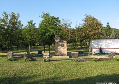 Karancsalja hősi emlékmű 2009.07.20. küldő-kalyhas