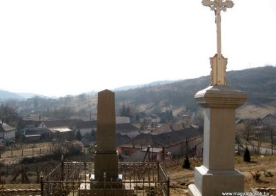 Karancsalja világháborús emlékmű 2011.03.12. küldő-kalyhas (4)