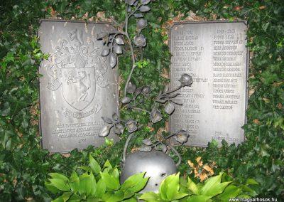 Karancsberény világháborús emlékmű 2009.07.20.küldő-kalyhas (4)