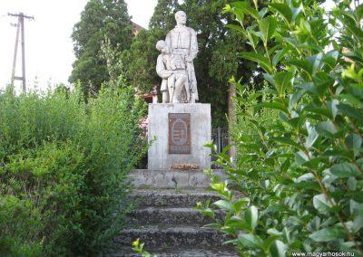 Karancskeszi világháborús emlékmű 2009.07.20.küldő-kalyhas (1)