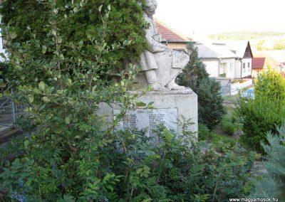 Karancskeszi világháborús emlékmű 2009.07.20.küldő-kalyhas (2)