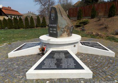 Karancslapujtő világháborús emlékmű 2019.04.10. küldő-Bóta Sándor (10)