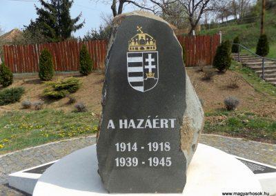 Karancslapujtő világháborús emlékmű 2019.04.10. küldő-Bóta Sándor (12)