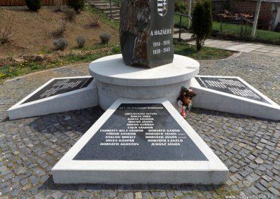 Karancslapujtő világháborús emlékmű 2019.04.10. küldő-Bóta Sándor (3)