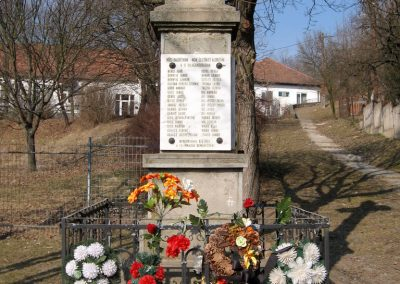 Karancsság világháborús emlékmű 2011.03.12. küldő-kalyhas (2)