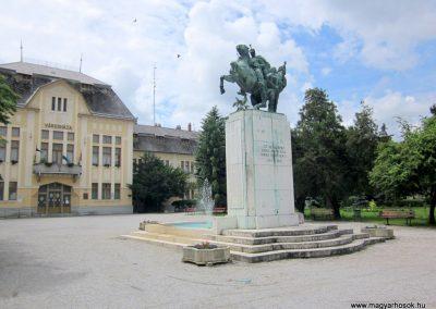 Karcag I. világháborús emlékmű 2013.05.25. küldő-kalyhas (16)