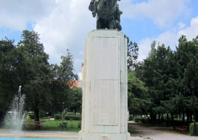 Karcag I. világháborús emlékmű 2013.05.25. küldő-kalyhas (9)