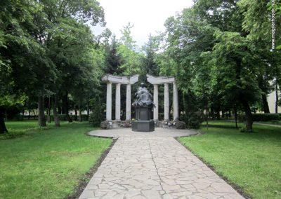 Karcag II. világháborús emlékmű 2013.05.25. küldő-kalyhas (1)