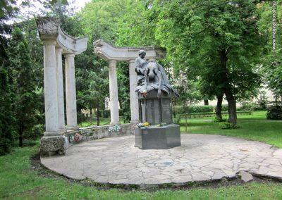 Karcag II. világháborús emlékmű 2013.05.25. küldő-kalyhas (12)