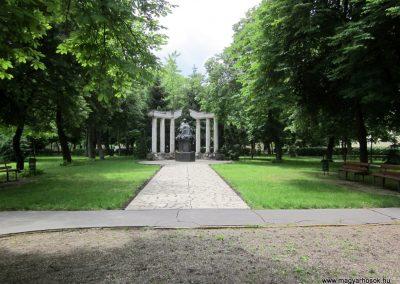 Karcag II. világháborús emlékmű 2013.05.25. küldő-kalyhas