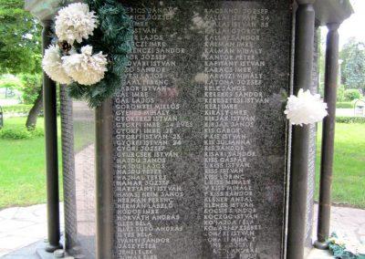 Karcag II. világháborús emlékmű 2013.05.25. küldő-kalyhas (6)