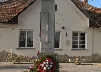 Karcsa világháborús emlékmű 2017.11.19. küldő-Eszterhai Zsuzsa