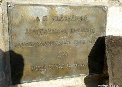 Kardoskút II. világháborús emlékmű 2012.07.14. küldő-Sümec (8)