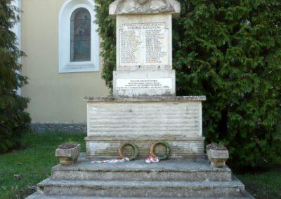 Karmacs II. világháborús emlékmű 2013.04.14. küldő-Sümec (1)