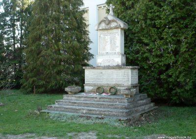 Karmacs II. világháborús emlékmű 2013.04.14. küldő-Sümec (6)