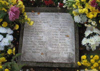 Kartal világháborús emlékmű 2009.11.09. küldő-kalyhas (3)