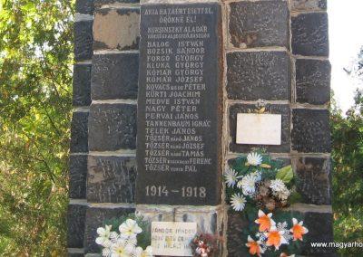 Kazár világháborús emlékmű 2008.10.17. küldő-kalyhas (3)