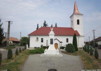 Kazincbarcika - Barcika világháborús emlékmű 2011.09.17. küldő-kalyhas (1)